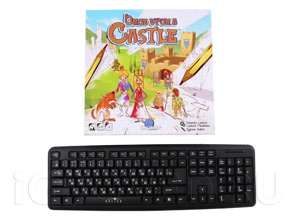 Коробка настольной игры Однажды в замке (Once upon a castle) в сравнении с клавиатурой