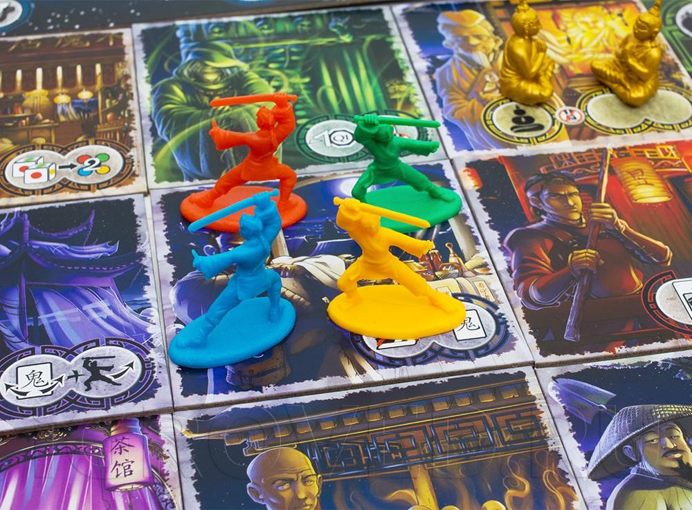 Компоненты настольной игры Истории с призраками