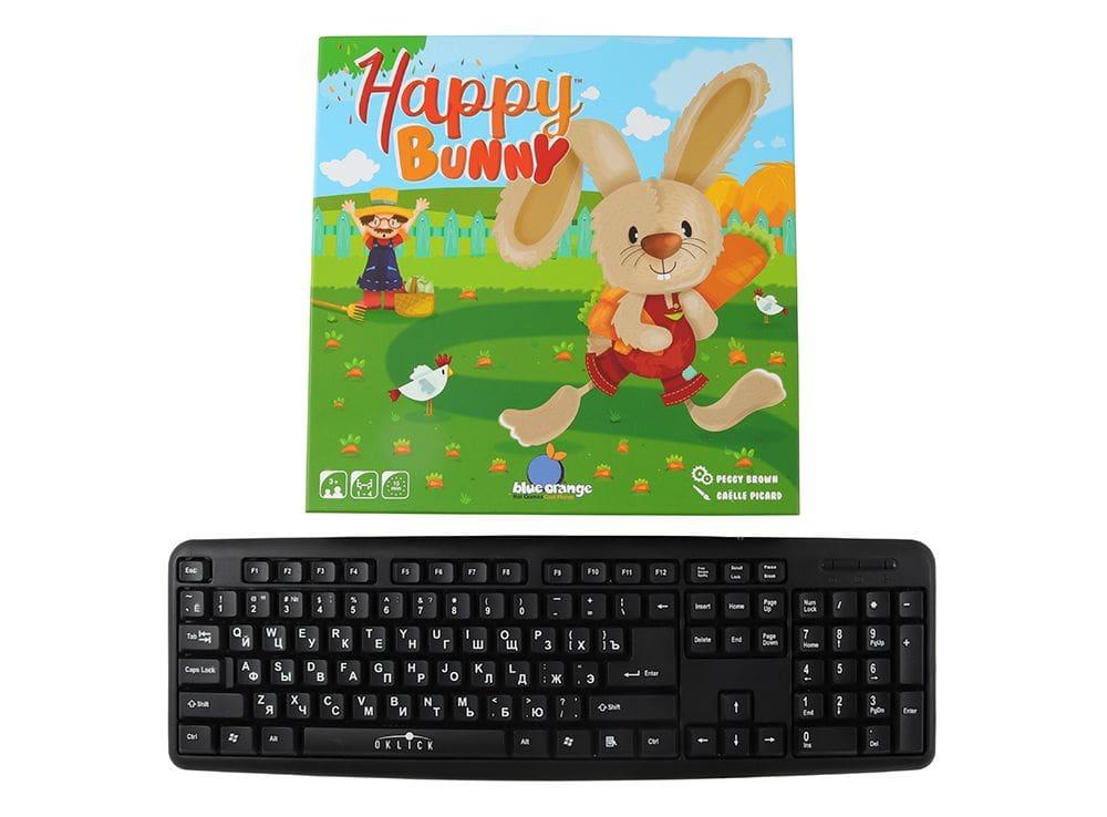 Коробка настольной игры Удачливый кролик (Happy Bunny) в сравнении с клавиатурой