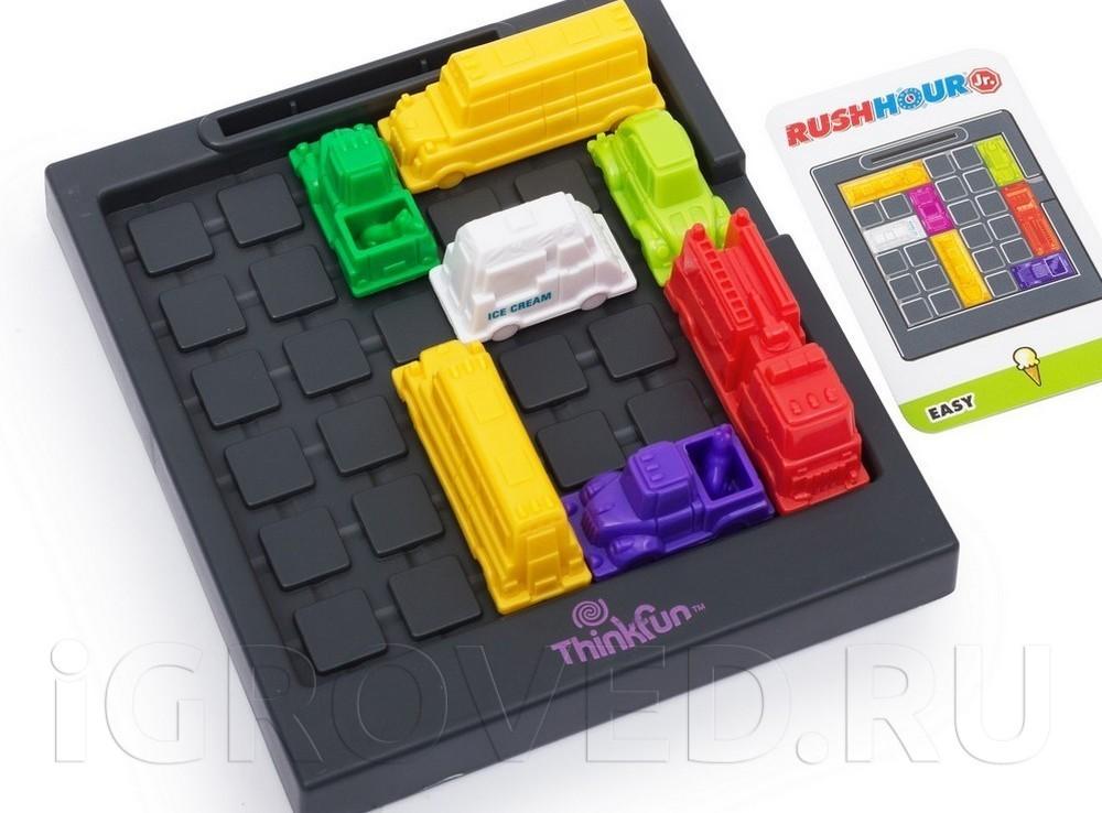 Игровое поле и фигурки настольной игры-головоломки Час Пик для малышей