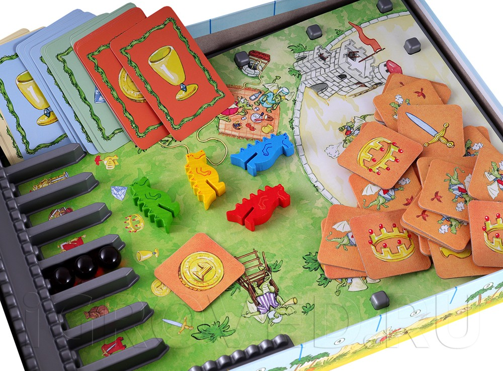 Рыцарский замок, огненные шары, деревянные фигурки драконов и карточки. Настольная игра Дракон Диего