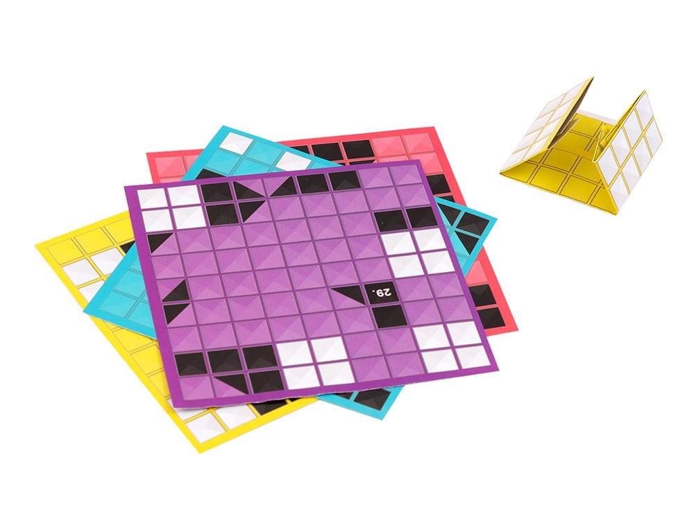 Компоненты настольной игры-головоломки Квадригами 2