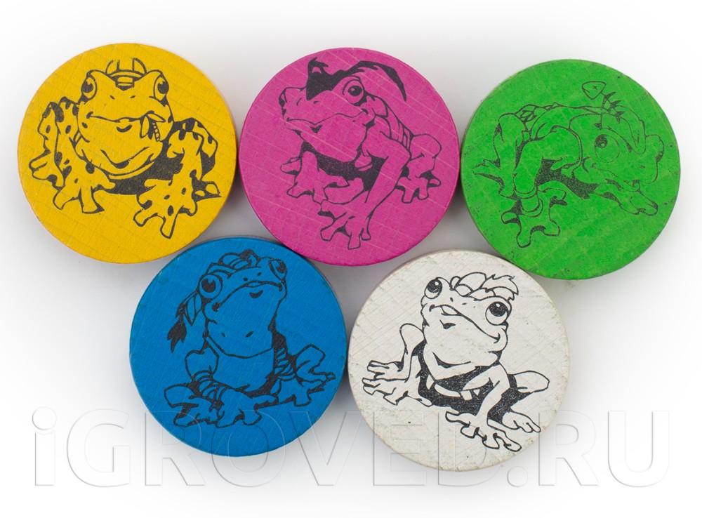 Фишки пяти цветов с изображением лягушек