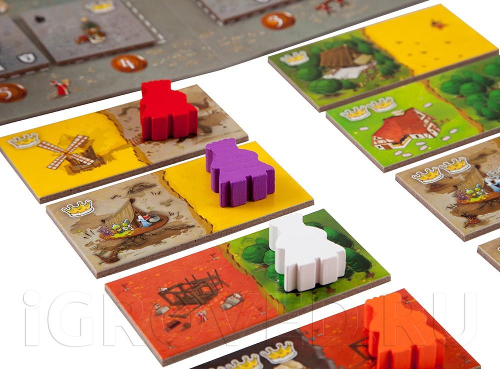 Каждый ход игроки выбирают тайл с ландшафтом и присоединяют его к своим владениям. Настольная игра Лоскутная империя (Queendomino)