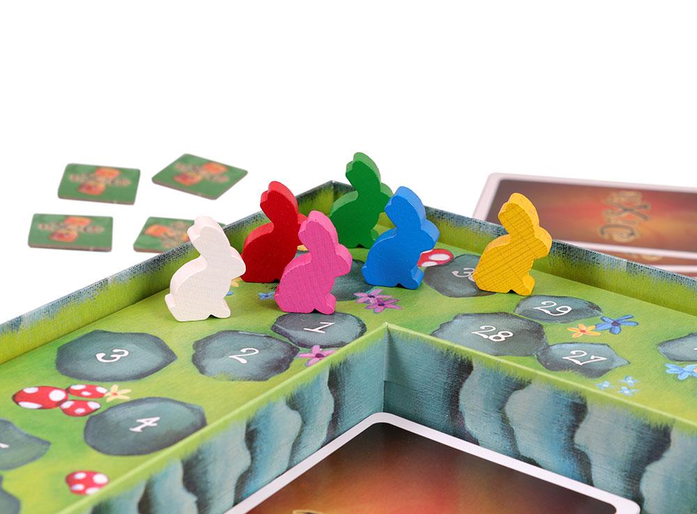 Зайцы, прыгающие по поляне - это счетчик победных очков.