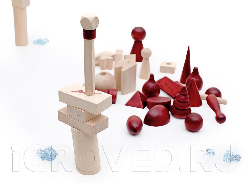 В настольной игре Баусак (Bausack) необходимо строить башни разной высоты