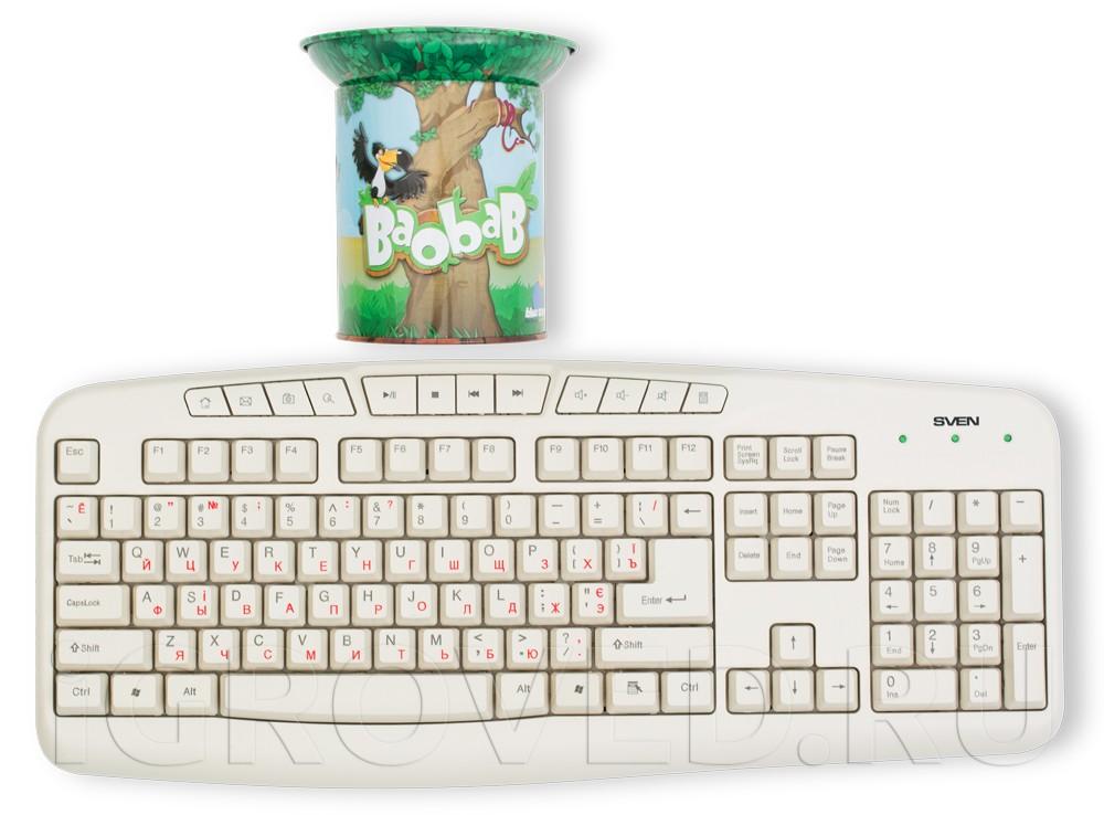 Коробка настольной игры Баобаб (Baobab) в сравнении с клавиатурой