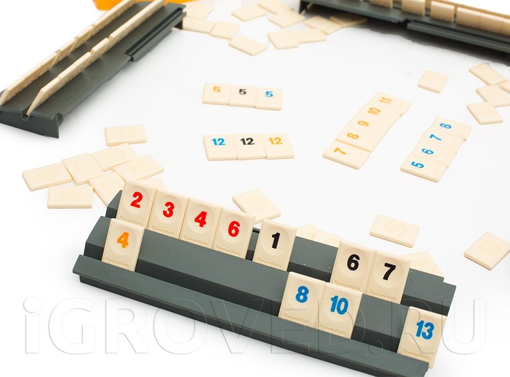 Игровой процесс настольной игры Руммикуб (дорожная версия)