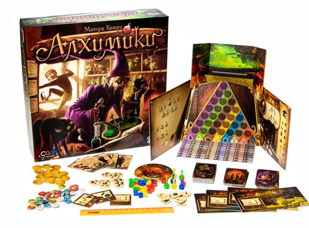 Коробка и компоненты настольной игры Алхимики