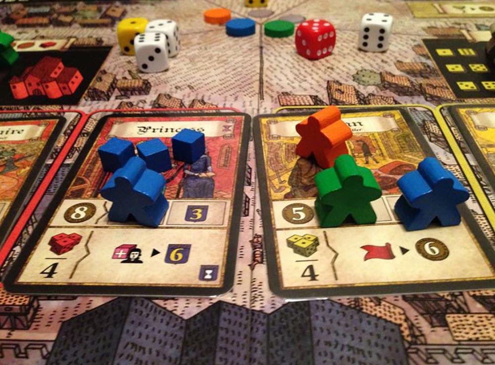 Игровой процесс настольной игры Труа: Леди (Les Dames de Troyes, дополнение)