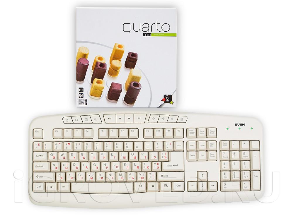 Коробка настольной игры Кварто Мини (Quarto Mini) в сравнении с клавиатурой