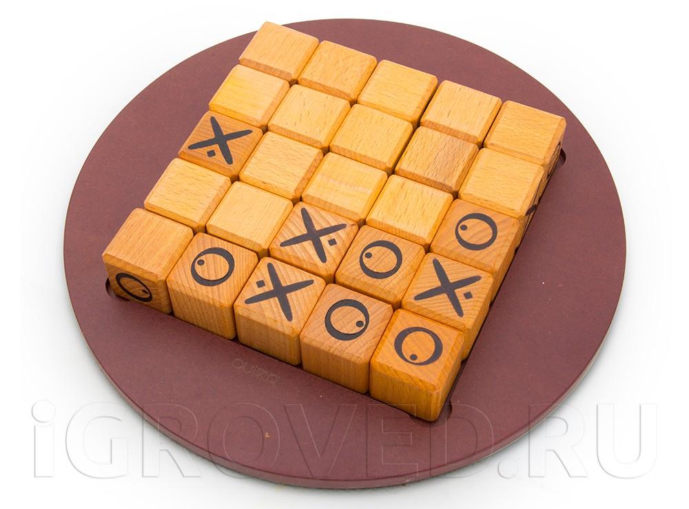 Игровой процесс настольной игры Квиксо (Quixo)