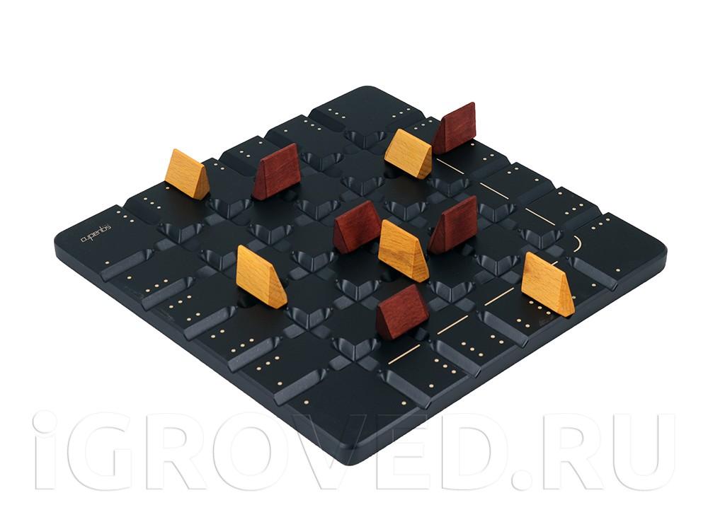 Игровой процесс настольной игры Сквадро (Squadro)