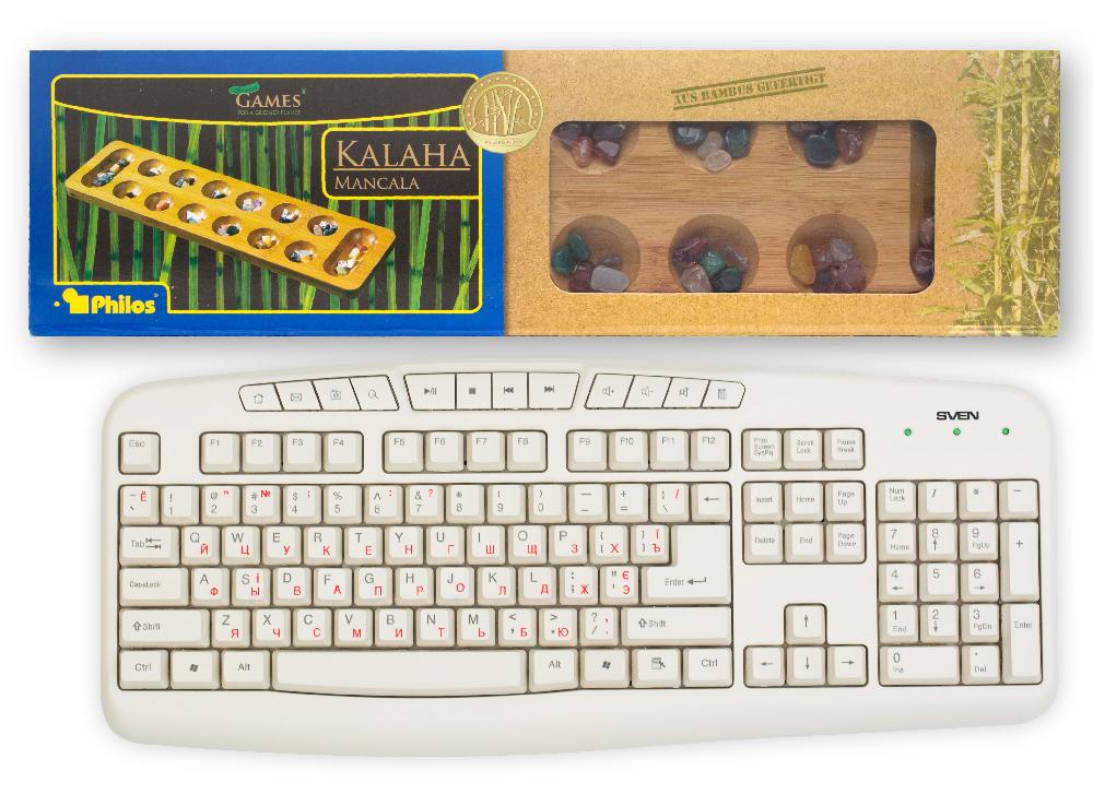 Коробка настольной игры Калах Бамбук в сравнении с клавиатурой