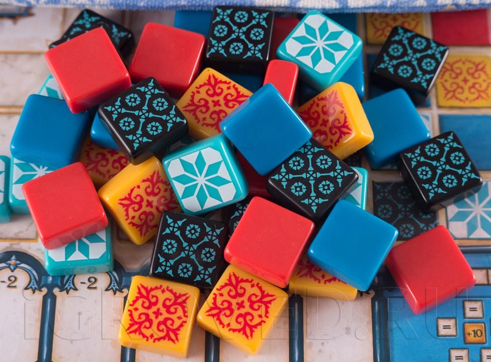 Участвуйте в украшении королевского дворца! Настольная игра Азул (Azul)