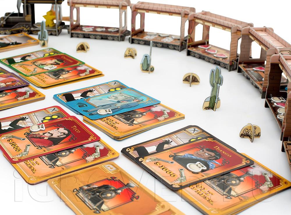 Каждый игрок становится одним из бандитов со своей особенностью. Настольная игра Кольт Экспресс (Colt Express)