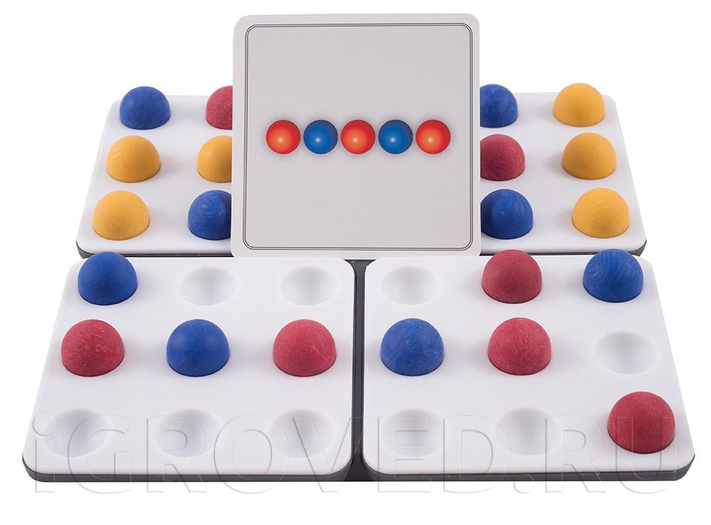 Игровой процесс настольной игры Пентаго. Третье измерение