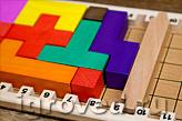 Оставшиеся свободные поля заполняются кубиками