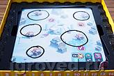 Задание Кольцо: задача игрока - нарисовать замкнутый контур вокруг каждого элемента задания