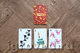 Игрок может скинуть несколько карт, если из них можно составить уравнение сложения. Настольная игра Спящие королевы